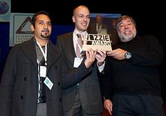 Foto: Nederlands studenten winnen Wozzie Award: €10.000 voor schone tuktuk