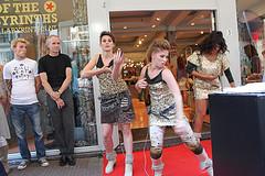 Videoblog: Music Shoes HAN CMD studenten bij opening The People of the Labyrinths Arnhem