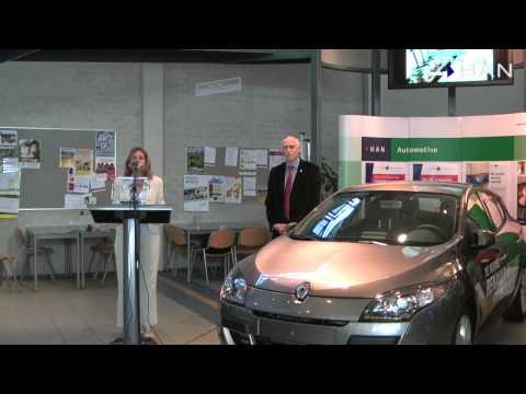 Videoblog: uitreiking Renault Megane aan HTS Autotechniek (2)