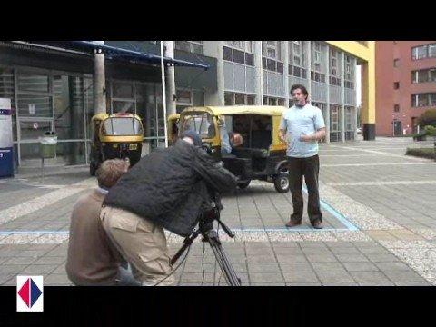 TV opname bij uitreiking TukTuks bij de HAN