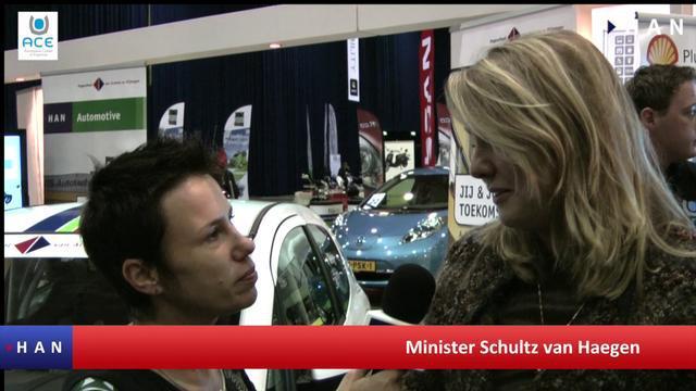 Videoblog: Minister Schultz van Haegen bezoekt ACE op Ecomobiel beurs